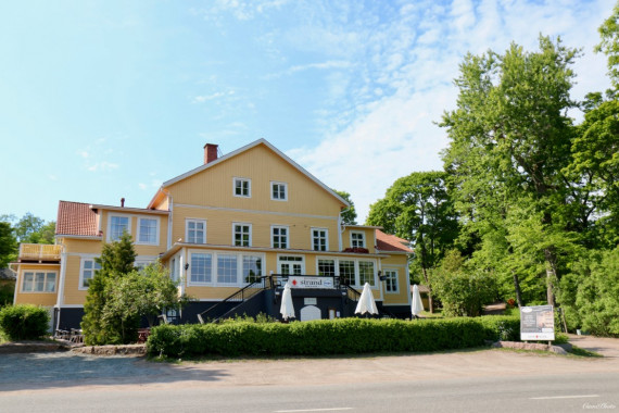 Strandhotellet is located in the middle of Dalsbruk